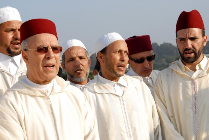 قَطْرَان المغرب ولاَ عْسل الإمارات!!