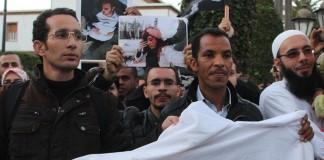 وقفة الأساتذة المتدربين أمام البرلمان.. «الشعب يريد إسقاط المرسومين»
