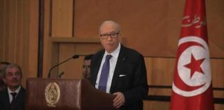 الرئيس التونسي يتهم أحزابا سياسية ووسائل إعلامية بتأجيج الأوضاع ببلاده