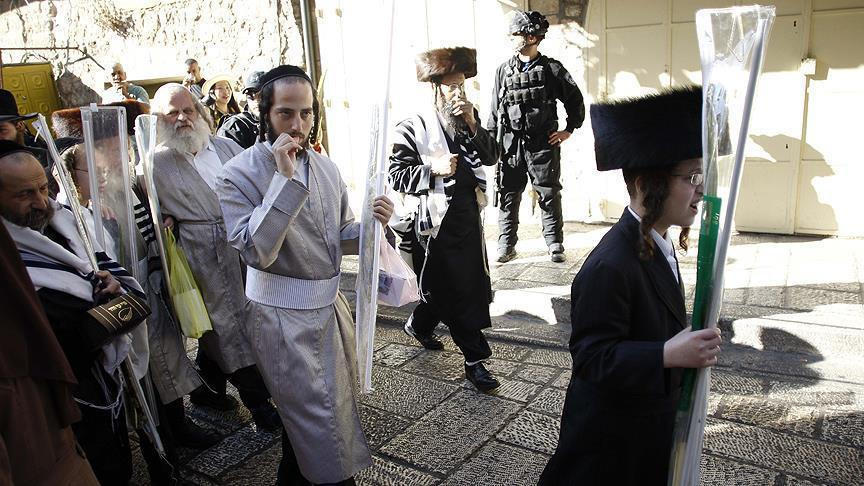 14.5 مليونا عدد اليهود في العالم ولهم دولة دينية تمثلهم وامتيازات لاتتوفر لأي أقلية