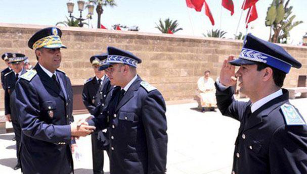 مجاملة من رئيس أمن مطار العروي لأحد المسؤولين الأمنيين تكلفه منصبه