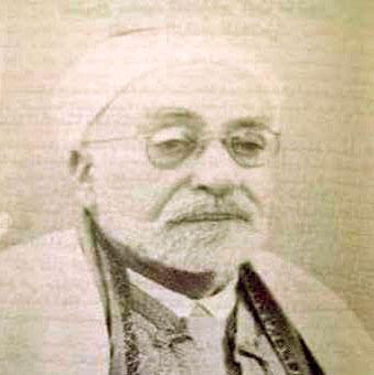 الشيخ الطاهر بن عاشور يُخرس الطاغية بورقيبة (مواقف مشرقة لعلماء الإسلام)