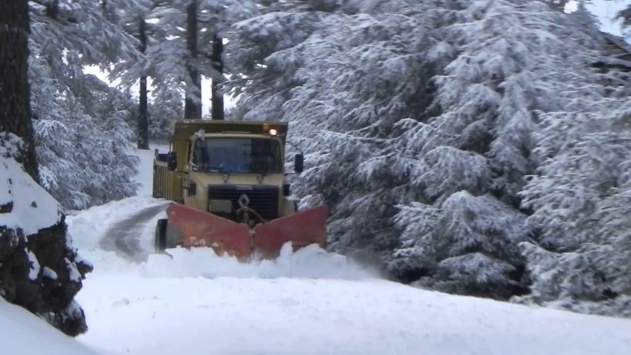إعادة فتح جل المقاطع الطرقية التي عرفت انقطاعا بفعل الثلوج في وجه حركة السير