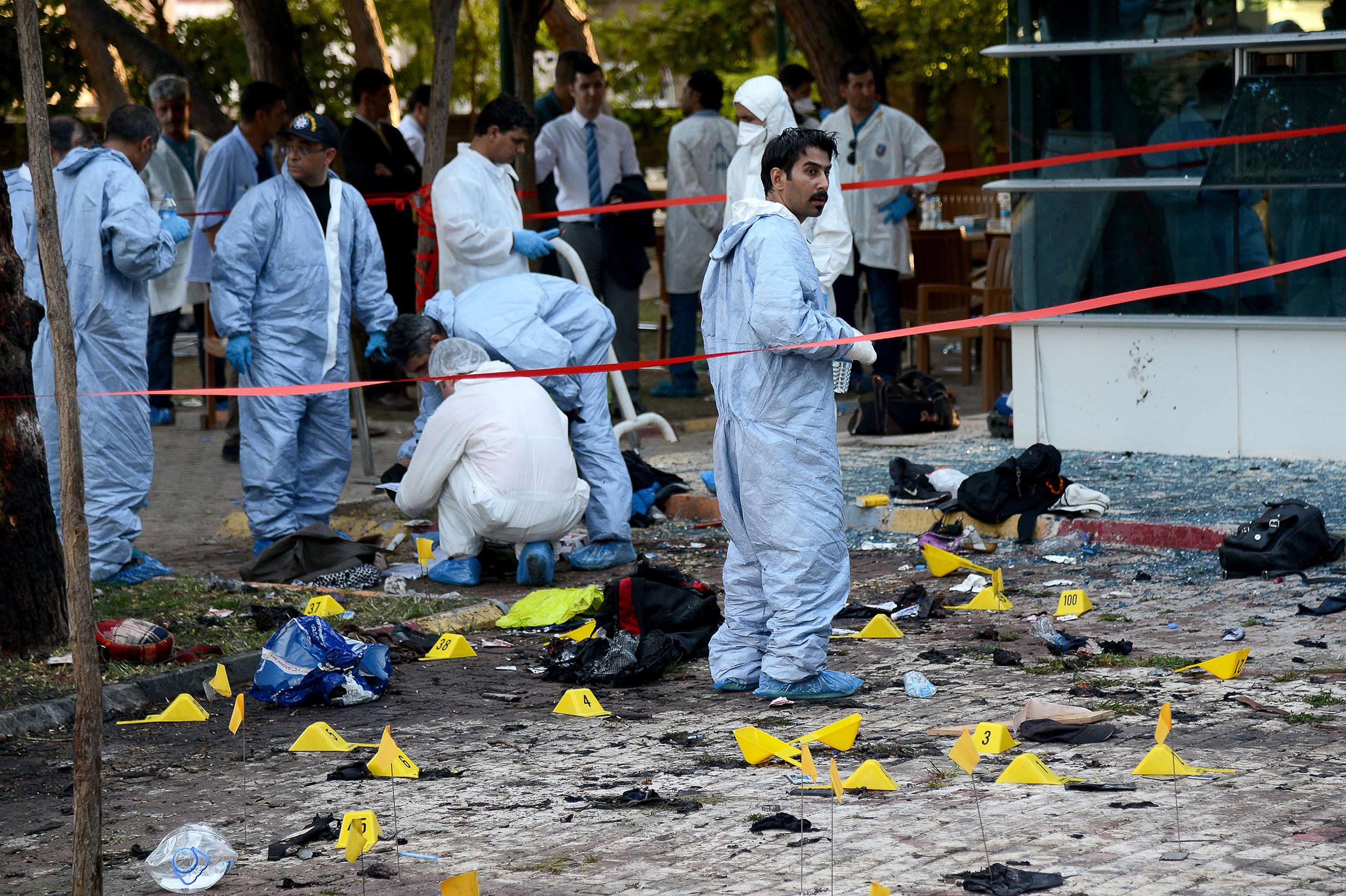 5 أشخاص قتلوا في تفجير انتحاري وسط اسطنبول