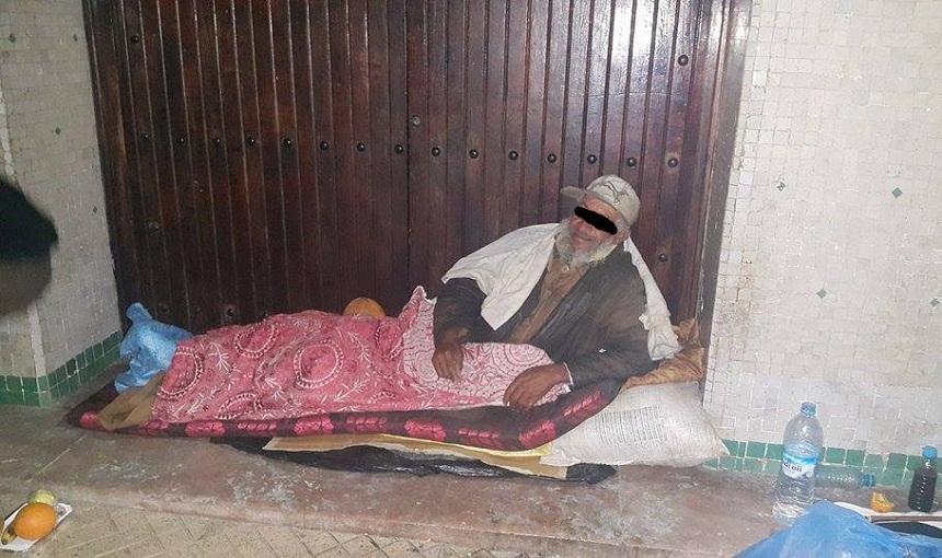 العثور على جثة مشرد مسن تحت الأمطار والبرد القارس ليلة أمس