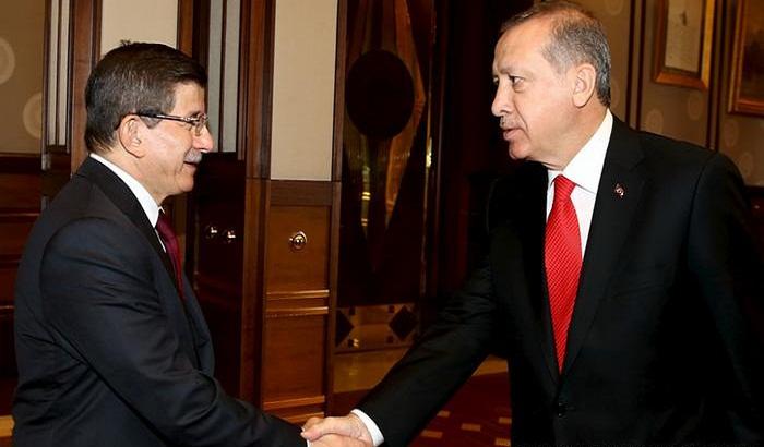 هذه أسباب الخلاف بين داود أوغلو ورجب طيب أردوغان