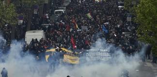 موجة إضرابات جديدة تهدد فرنسا احتجاجاً على تعديل قانون العمل