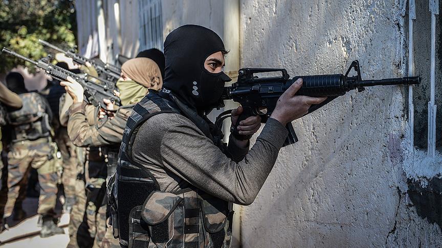 إصابة 7 جنود أتراك جراء انفجار عبوات ناسفة جنوب شرقي البلاد