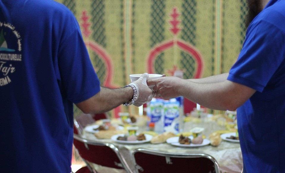 صور.. مبادرة إفطار الصائم من تنظيم جمعية الفجر الثقافية والاجتماعية بالحسيمة