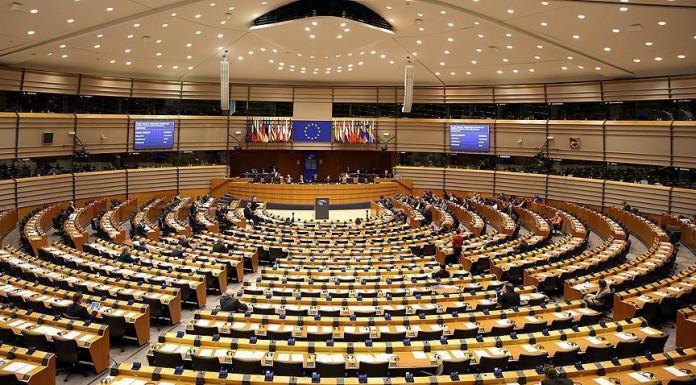 فرنسا تطالب نوابها في البرلمان الأوربي بدعم المغرب في ملف الصحراء