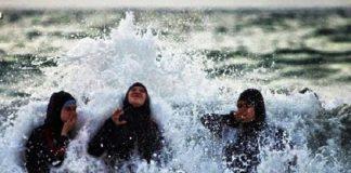 """محكمة إدارية فرنسية تلغي حظر """"البوركيني"""" على شواطئ مدينة شمالي البلاد"""