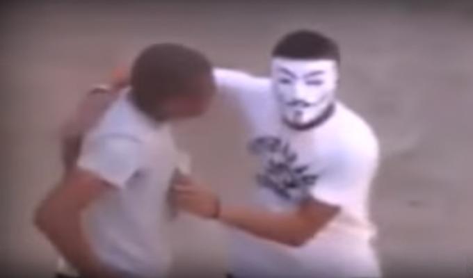 """مديرية الأمن الوطني توضح حقيقة فيديو """"المجرم المقنع"""" المتداول على مواقع التواصل الاجتماعي"""