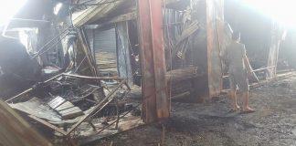 شاهد بالفيديو.. آثار فاجعة حريق سوق كاسابراطا بطنجة (240 محلا تجاريا)