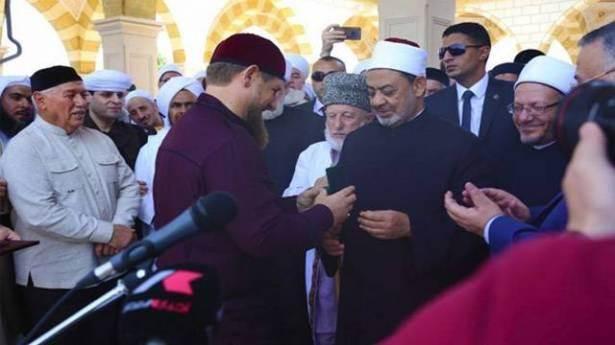 شيخ الأزهر يتبرأ من مؤتمر الشيشان ويؤكد: السلفيون من أهل السنة والجماعة