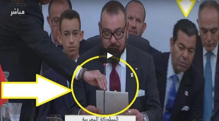 خطأ فادح من منظمي قمة المناخ بمراكش.. بسبب ميكرو الملك محمد السادس