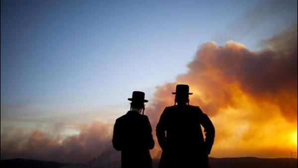 33 حريقًا جنوب الكيان الصهويني بفعل البالونات الحارقة من غزة