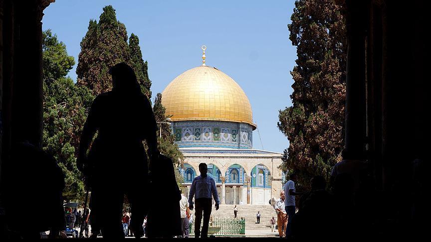 """الأوقاف الإسلامية بالقدس تحذر من """"تغيير الوضع القائم"""" في المسجد الأقصى"""