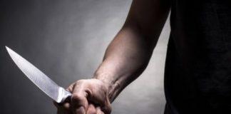 شاهد.. ملتحي ينقذ امرأة من طعن زوجها لها بسكين بسيدي قاسم