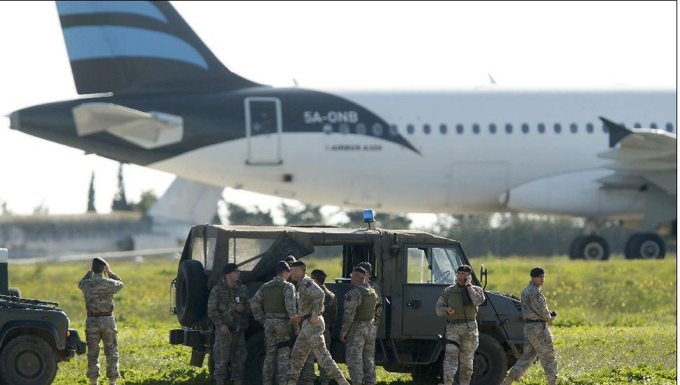 آخر تطورات الطائرة الليبية المختطفة