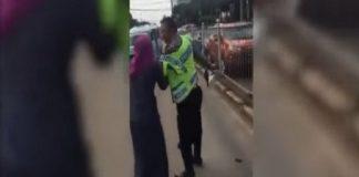 هدية غير متوقّعة من سفير سعودي لضابط إندونيسي.. بعد تهجّم امرأة عليه (فيديو)