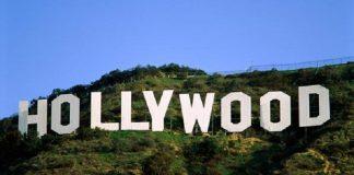 """الممثلة الأمريكية ليندسي لوهان تعطي إشارة على إسلامها بـ""""السلام عليكم"""""""