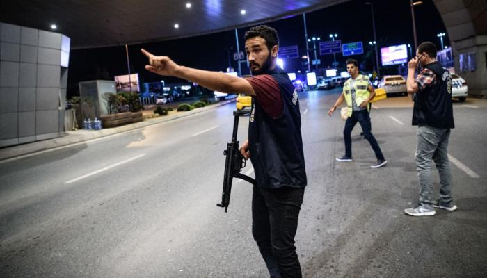 """تنظيم """"داعش"""" يتبنى هجوم اسطنبول.. والبحث جارٍ عن المنفذ"""