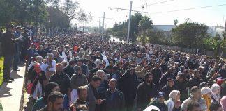 فيديو.. آلاف الأساتذة والمدافعين عن المدرسة العمومية في مسيرة الوفاء بالرباط