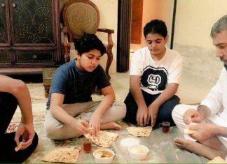 الشيخ سلمان وأطفاله يتناولون الفطور دون أمهم والحزن يخيم على المكان
