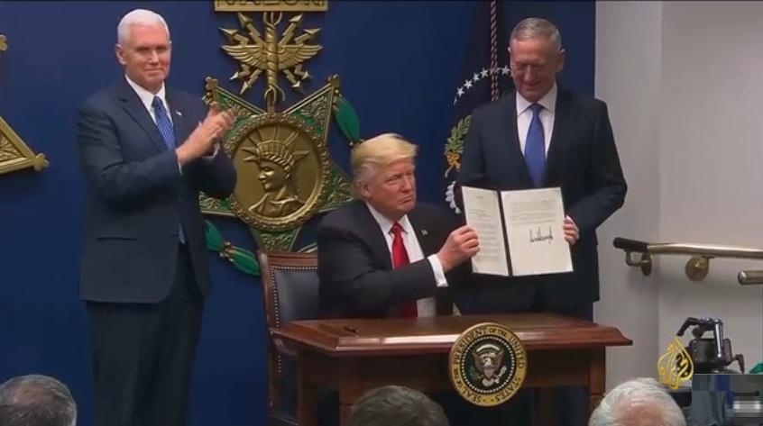 ترامب يؤكد قائمة الدول المحظورة من السفر لأمريكا ويستثني العراق فقط