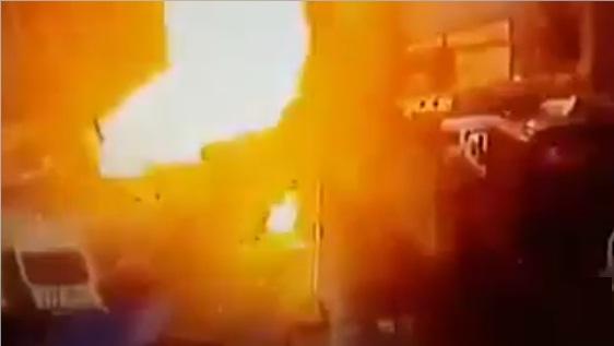 شاهد لحظة وقوع الانفجار أمام محكمة مدينة أزمير التركية عصر اليوم