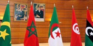"""بوتفليقة يؤكد تمسك الجزائر """"الثابت"""" باتحاد المغرب العربي"""