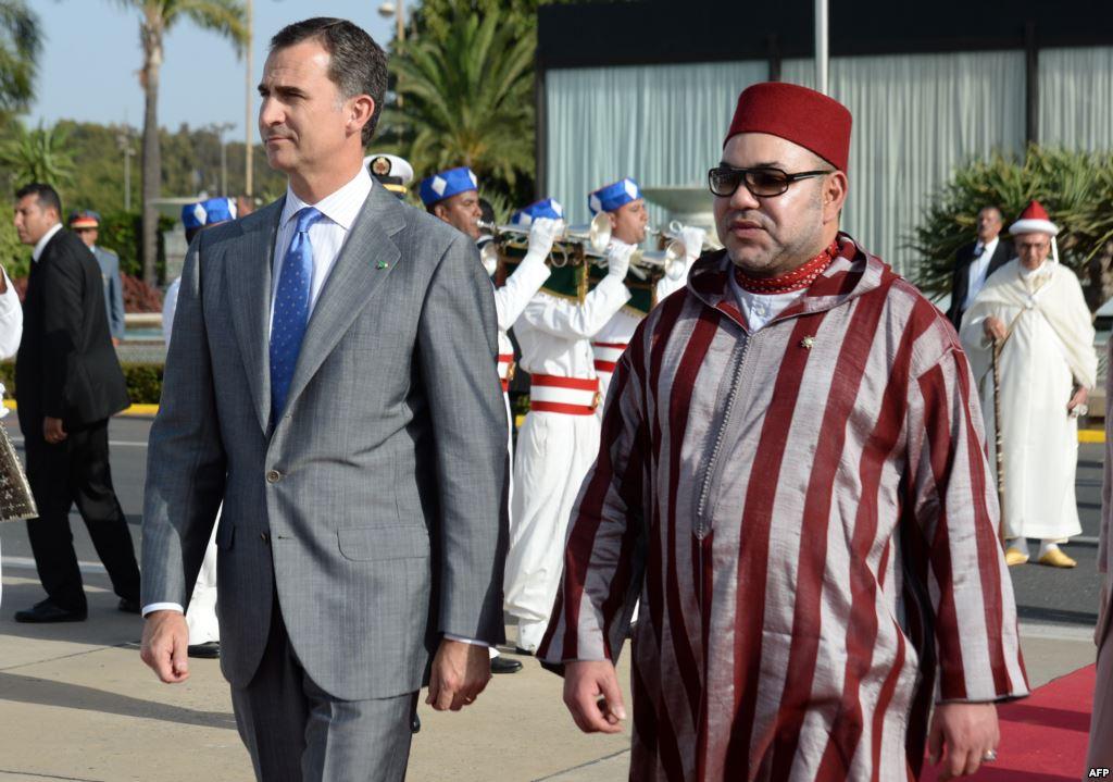 """الملك """"محمد السادس"""" يقيم استقبالا رسميا للعاهل الإسباني وعقيلته"""