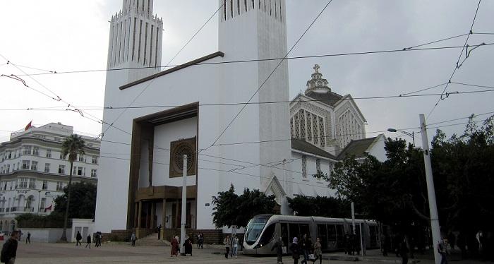 الداخلية تمنع رفع الآذان وإفطارا جماعيا داخل كنيسة بالرباط