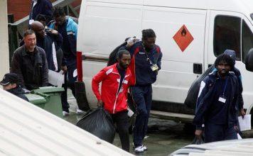 360 مهاجرا إفريقيا يقتحمون جدار سبتة المحتلة اليوم