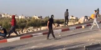 فيديو.. مواجهات مندلعة بين شبان وقوات الاحتلال في بلدة تقوع جنوب شرق بيت لحم