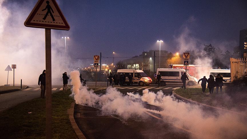 توقيف 58 على هامش احتجاجات منددة بعنف الشرطة الفرنسية