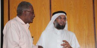 """وفاة الداعية والطبيب السعودي """"مهدي قاضي"""" أثناء سجوده في صلاة الفجر"""