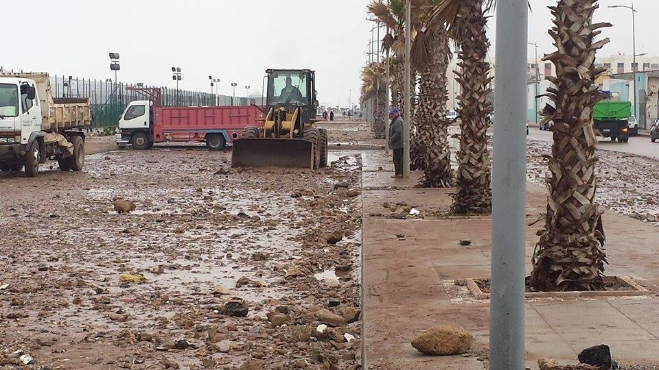 فيديو.. مخلفات المد البحري الجديد على كورنيش سيدي موسى مدينة سلا