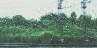 شلل حركة القطارات بسبب الأمطار الطوفانية