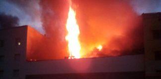 عاجل.. بالفيديو والصور حريق مهول بسلا يؤدي لوفاة رجل إطفاء وانهيار منزل من طابقين
