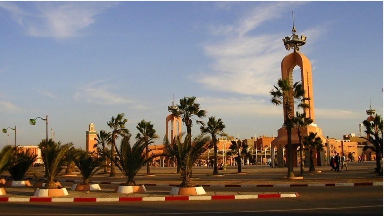 إقليم العيون: إطلاق مشاريع تنموية احتفاء بالذكرى الـ44 للمسيرة الخضراء