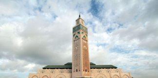 مسجد الحسن الثاني يطفئ أضواءه غير الأساسية يوم السبت المقبل