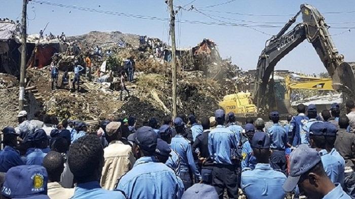 نفايات متراكمة منذ 50 سنة.. تنزلق وتقتل 50 في إثيوبيا