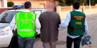 اعتقال مواطن مغربي ربط ابنة أخته بجذع شجرة بإسبانيا لعلاقتها مع شاب إسباني