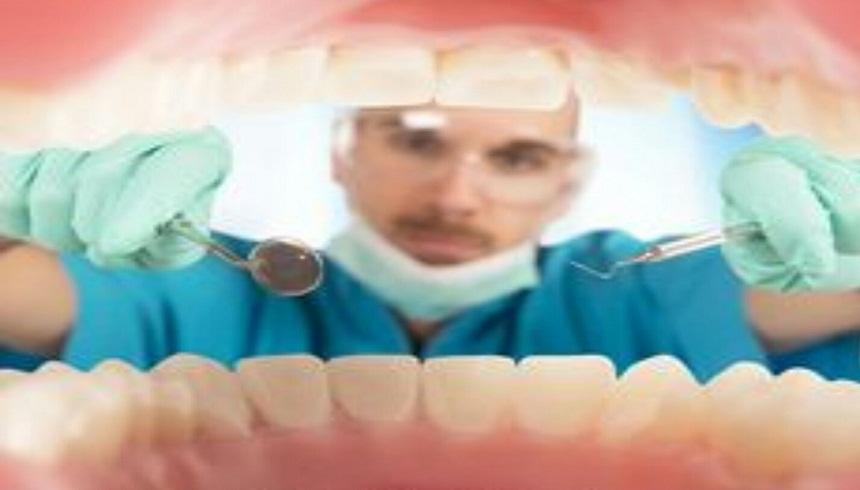 أطباء الأسنان يحتجون ضد الممارسة غير المشروعة