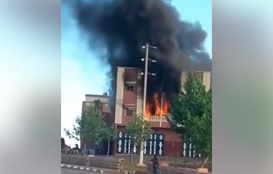 الحريق الذي تسبب فيه شاحن الهاتف وأدى لوفاة 3 أشخاص بأزيلال.. وإصابة أربعة آخرين..