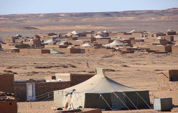 مخيمات تندوف: منطقة ينعدم فيها القانون وتشهد ممارسات وحشية في حق المحتجزين