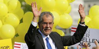 رئيس النمسا يدعو النساء لارتداء الحجاب وحكومته طالبت بحظره.. هل يستطيع تحمل تبعات دعوته؟