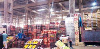 سلا: نقل أسواق الجملة إلى تامسنا يثير احتجاجات باعة الخضر والفواكه
