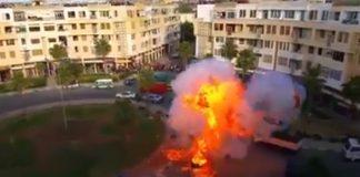 لحظة انفجار كبير أثناء تمثيل أحداث فيلم في مدينة المحمدية